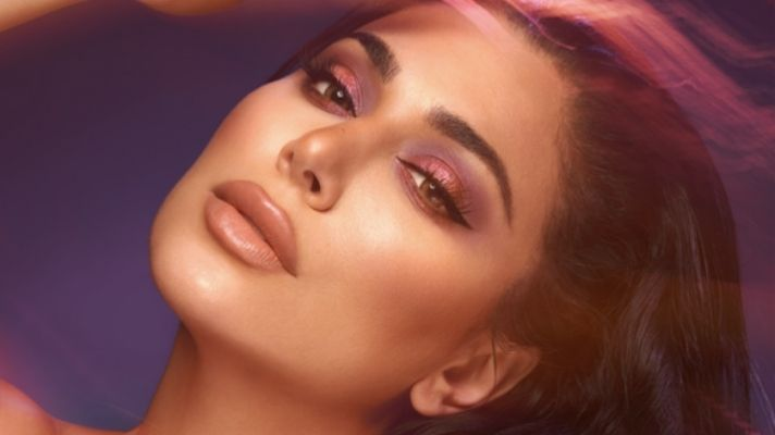 The Iconic Smoky Eye Got an Upgrade Thanks to Huda Beauty's New Palettes