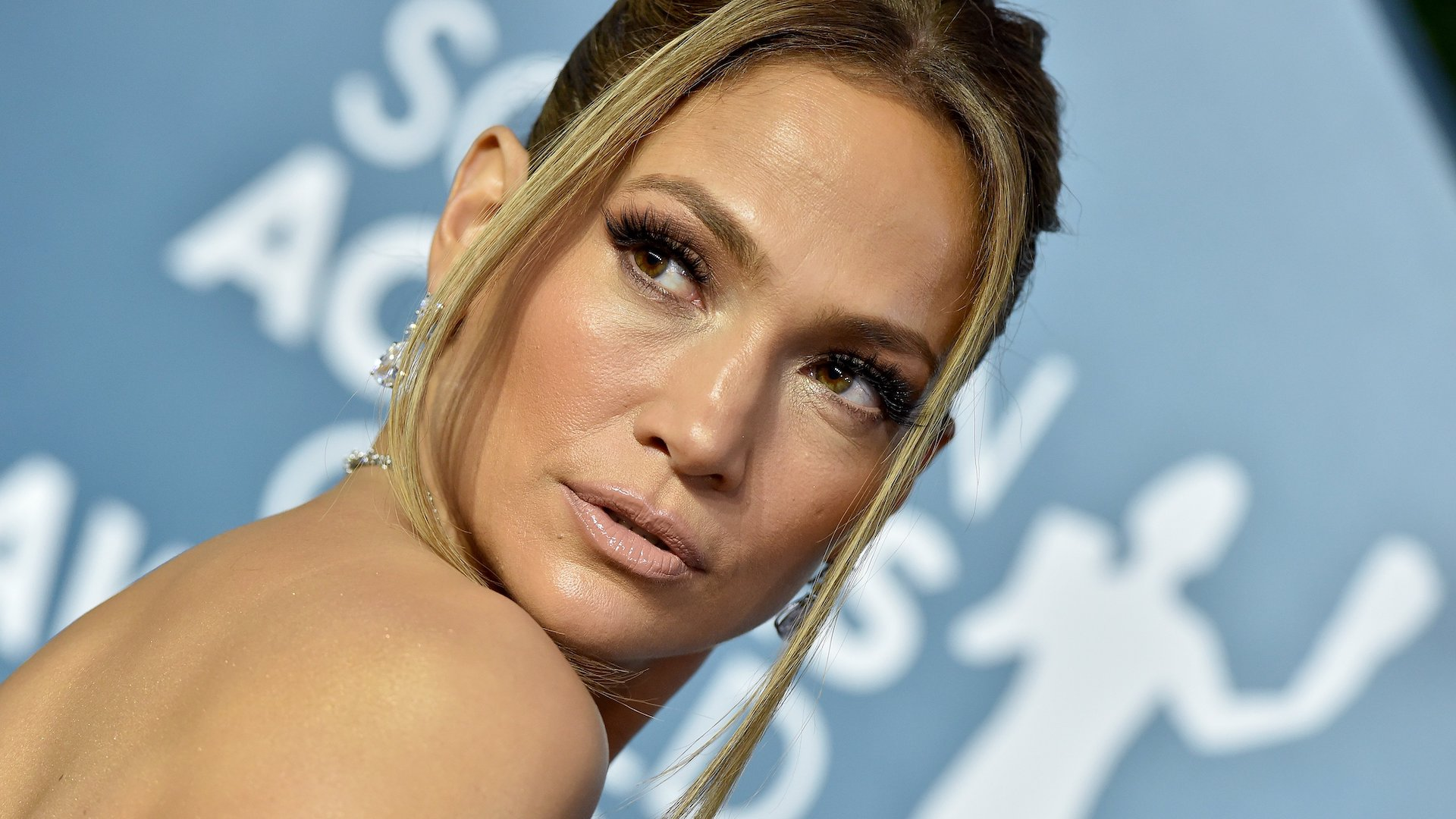 J.Lo's Family Portrait Look Is Summer On Top, Fall On Bottom