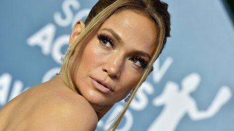 J.Lo's Family Portrait Look Is Summer On Top, Fall On Bottom   StyleCaster