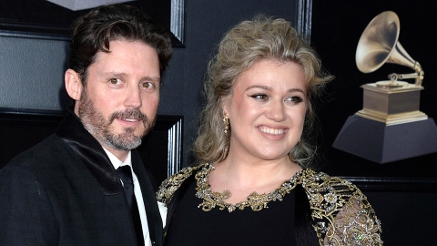 Kelly Clarkson Says Her Life Has Been Like a 'Dumpster' Amid Her Divorce | StyleCaster