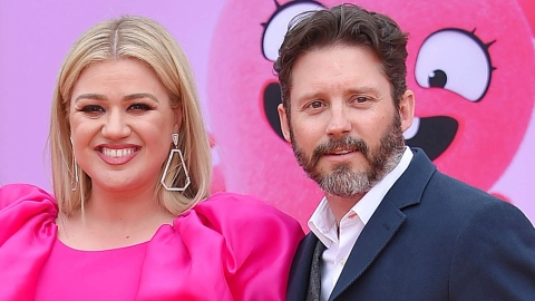 Kelly Clarkson Is Being Sued by Her Ex-Husband's Father For Breaking Her Contract | StyleCaster