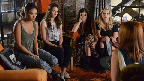 A 'Pretty Little Liars' Reboot is in the Works by 'Riverdale's Creator | StyleCaster