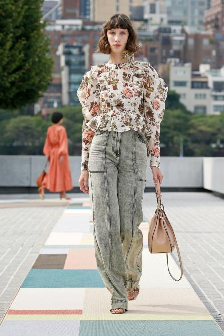 STYLECASTER   2021 Jeans Trends