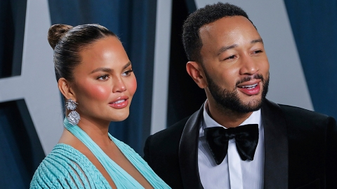 Chrissy Teigen Reveals She & John Legend Lost Their Baby After a Miscarriage | StyleCaster