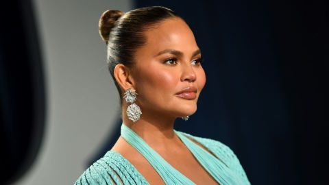 Chrissy Teigen Just Responded to the 'Hate' Over Those Photos Shared After Losing Her Baby | StyleCaster