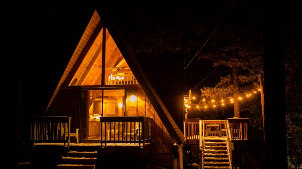 15 Ridiculously Cozy Cabins You Can Escape to This Winter | StyleCaster