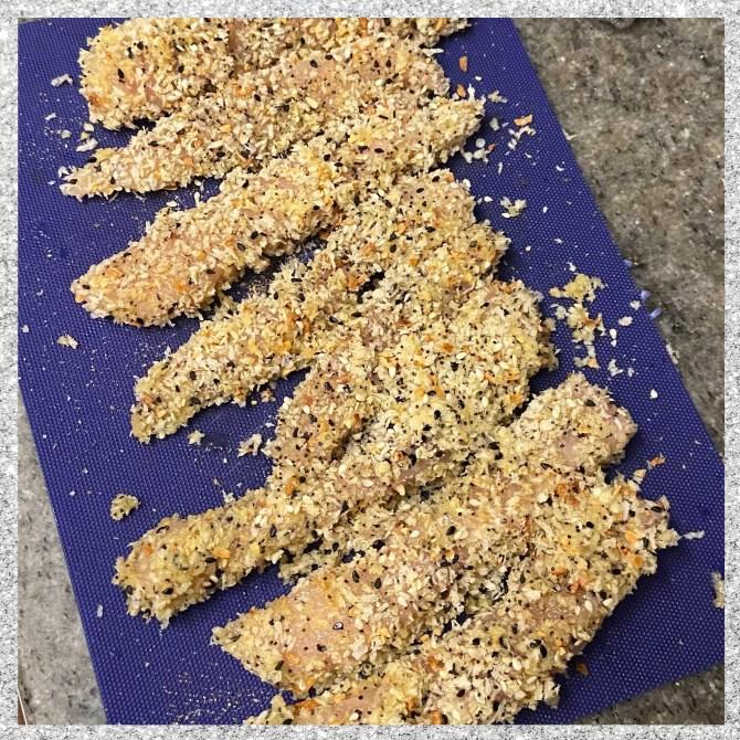 STYLECASTER | everything bagel chicken tenders air fryer recipe