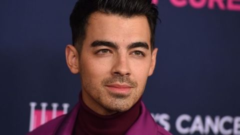 Joe Jonas Dyed His Hair Pink Just In Time for Breast Cancer Awareness Month | StyleCaster