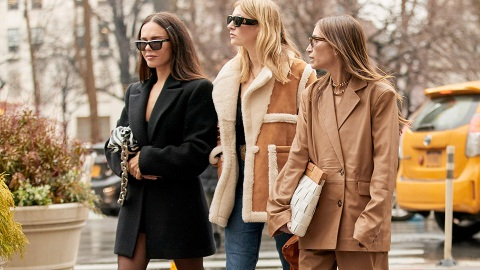 18 Minimalist Outfit Ideas To Make The Most Of Your Fall Wardrobe | StyleCaster