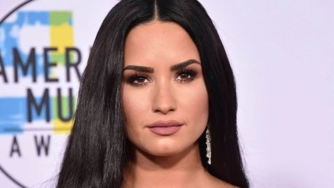 Breaking News: Demi Lovato Just Cut Off ALL Her Hair & Dyed It Blonde | StyleCaster