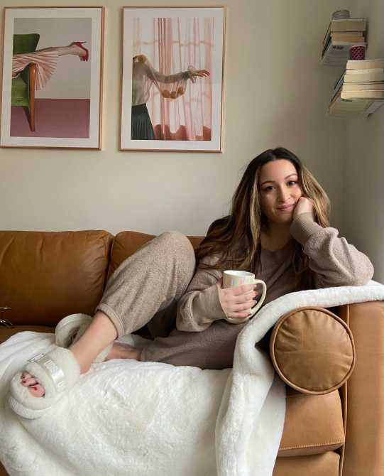 STYLECASTER | Aerie Cozy Good Vibes Joggers Review
