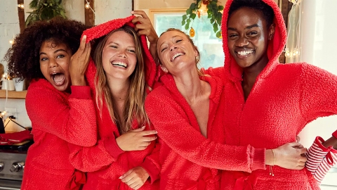 Aerie's Black Friday Sale Will Literally Slash Your Holiday Spending In Half  | StyleCaster