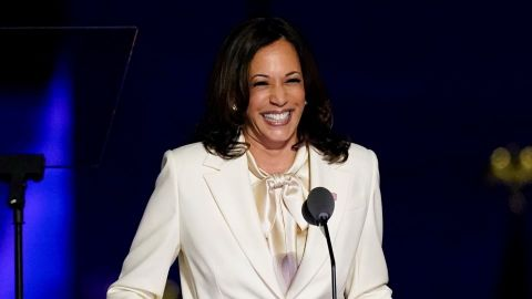 Kamala Harris Will Get a Raise Now That She's Vice President—Here's Her Salary | StyleCaster