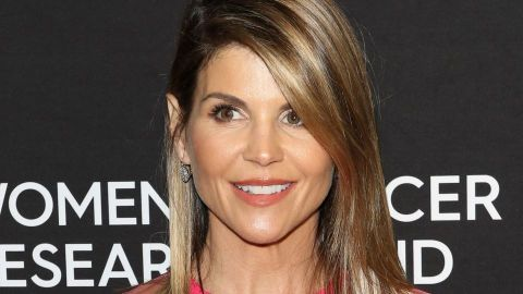 Lori Loughlin Wrote a Letter to Her 'Fuller House' Co-Star Before Her Prison Sentence | StyleCaster