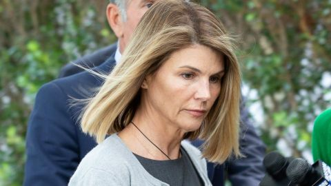 Lori Loughlin Is a 'Wreck' After Her 1st Few Days in Prison for College Admissions Scandal | StyleCaster
