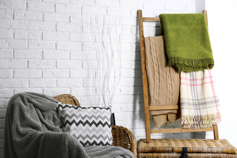 STYLECASTER | Blanket stoage