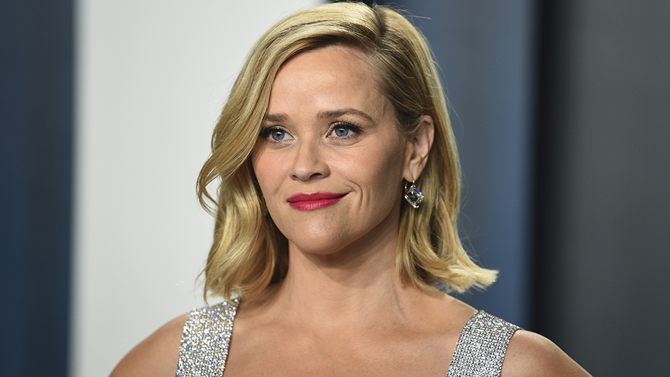 Celebrity Elf on a Shelf Meme: Reese Witherspoon, Jennifer ...