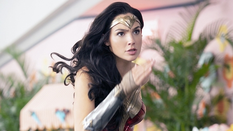 Gal Gadot's Super-Powered Salary as Wonder Woman Kicks Our Paychecks in the Ass | StyleCaster