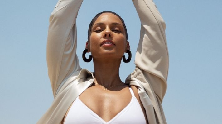 """Alicia Keys' Launches Her First """"Ritual"""" For Keys Soulcare & The Candle Is Delicious"""