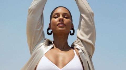 """Alicia Keys' Launches Her First """"Ritual"""" For Keys Soulcare & The Candle Is Delicious 