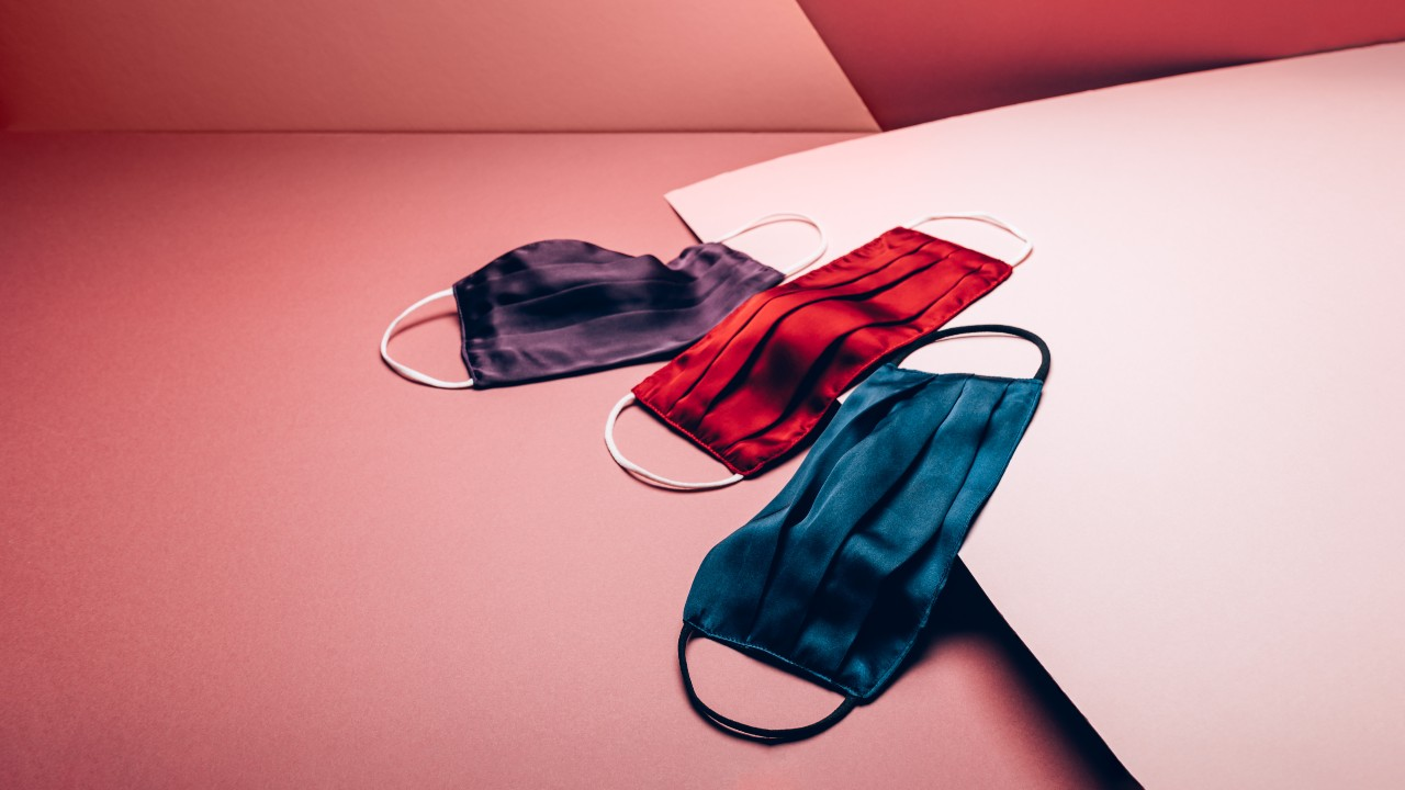 10 Soft Silk Face Masks That'll Make You Feel Super Glam
