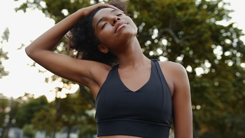 8 Sports Bras For Small Chests Cool Enough For The Gym OR The 'Gram | StyleCaster