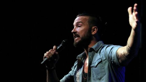 Justin Bieber's Pastor Carl Lentz Had 'More Than One' Affair Before He Was Fired | StyleCaster