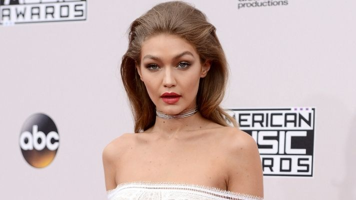 Gigi Hadid Looks Just Like Her Sister Bella With New Bangs