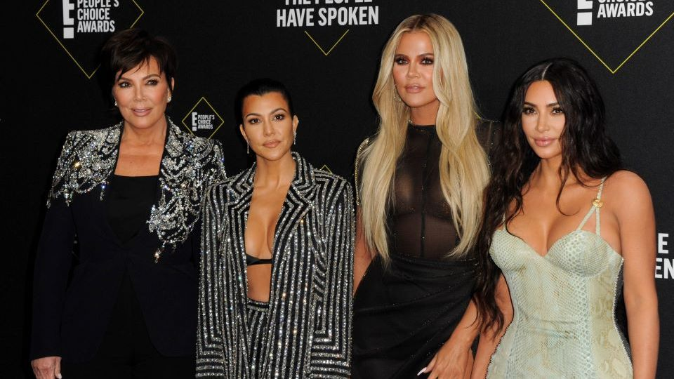 The Kardashians Unveiled Their 2020 Christmas Decorations & We Can't Decide Whose Is Best   StyleCaster
