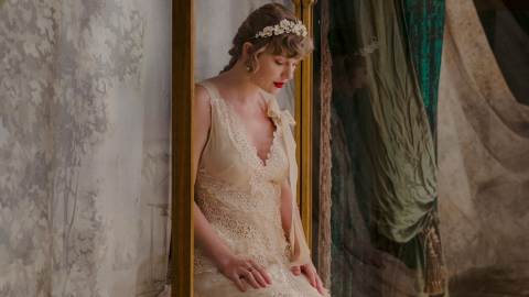 Fans Are Convinced Taylor Swift Is Married After Seeing This Pic From Her New Music Video | StyleCaster