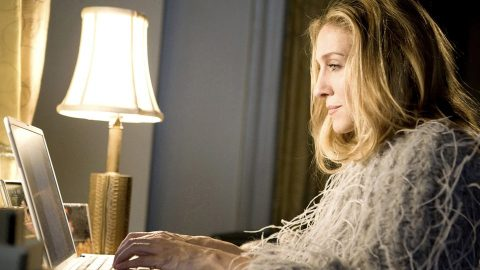 Here's How Much Carrie Bradshaw's 'Sex and the City' Apartment Would Cost Today | StyleCaster