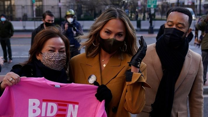 Chrissy Teigen Wore My Dream Gucci Tights To The Inauguration