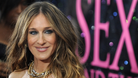 SJP's Net Worth Explains Why There's So Much Drama Around Her 'SATC' Salary | StyleCaster