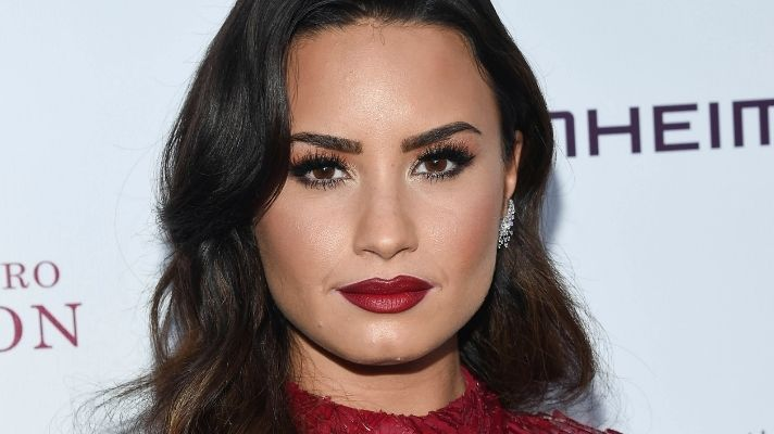 Demi Lovato Got All Different Boob Sizes on Her Nails & They're So Freaking Cute