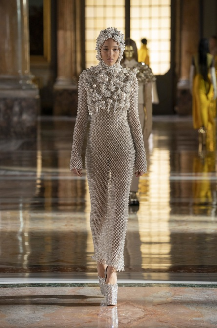 STYLECASTER | Paris Fashion Week SS21 Couture
