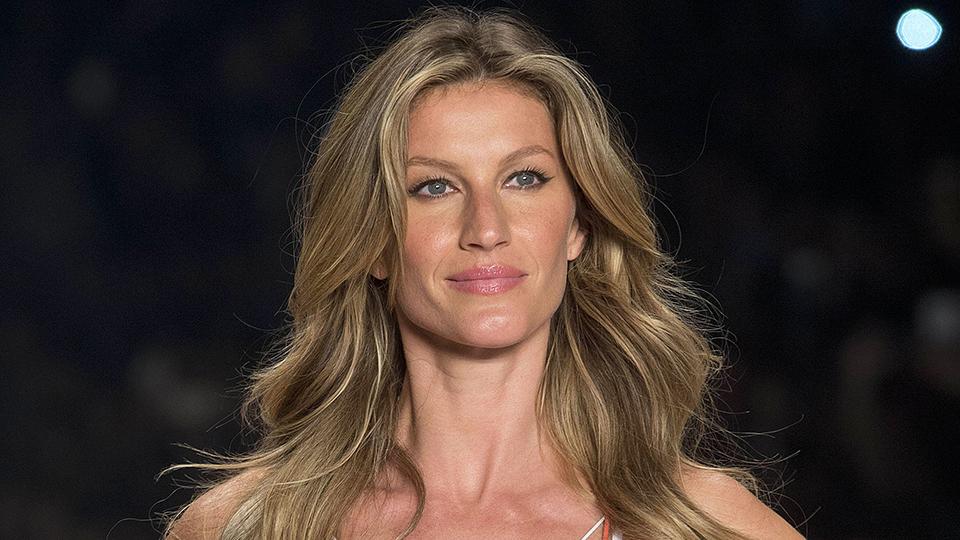 Hairstyle Photo: Celebrity Gisele Bundchen Long Hairstyles