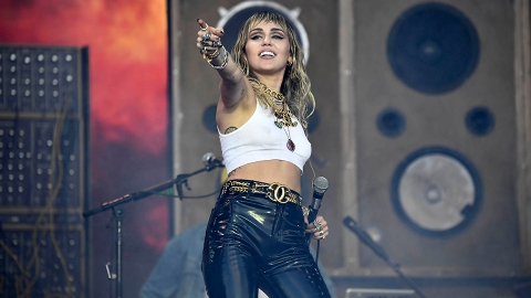 Miley Cyrus Is Performing the Super Bowl Pregame Show—Here's How to Watch it For Free | StyleCaster