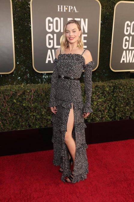 STYLECASTER | Margot Robbie Golden Globes