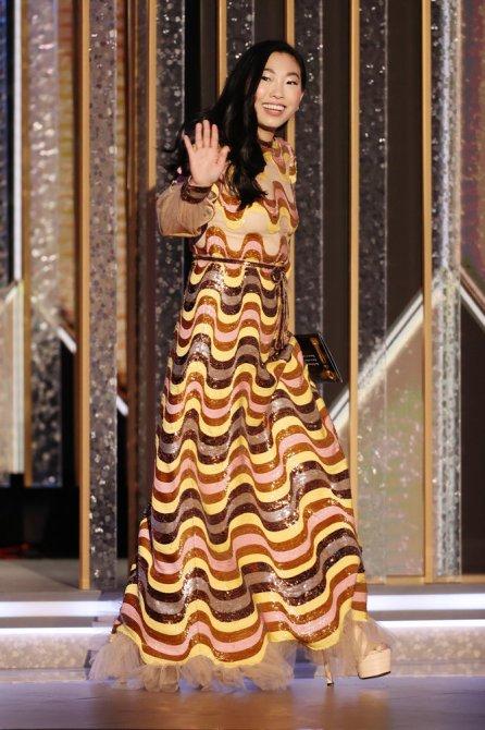 STYLECASTER   Awkwafina Golden Globes