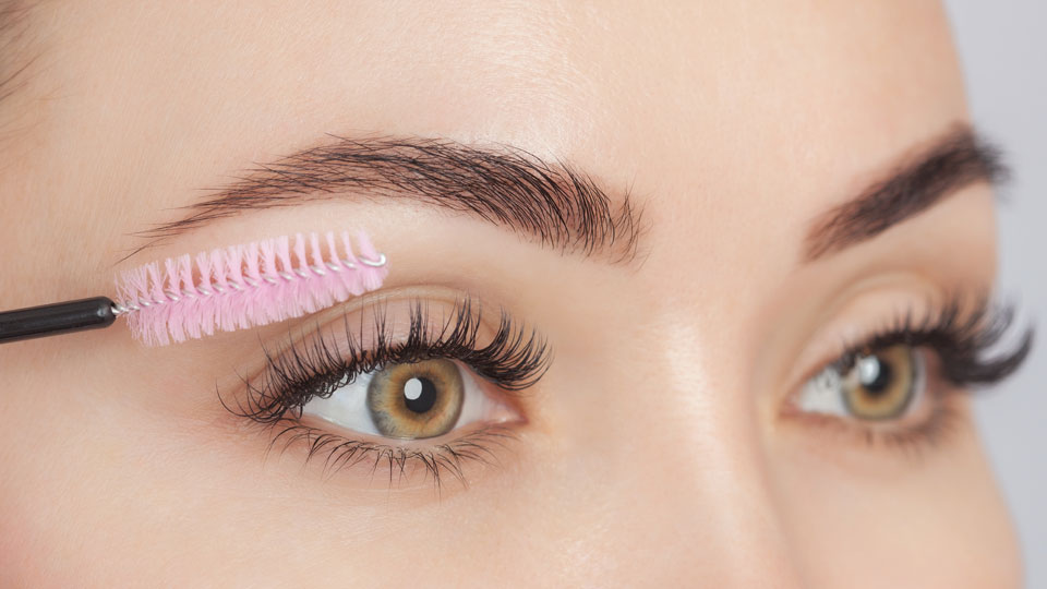 These Serums Will Give You The Voluminous Lashes You Weren't Naturally Blessed With
