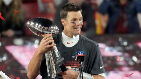 Drunk Tom Brady Just Threw His Super Bowl Trophy Off a Boat & the Video Is Going Viral | StyleCaster