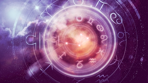 Your Weekly Horoscope Is Urging You To Follow Your Dreams | StyleCaster