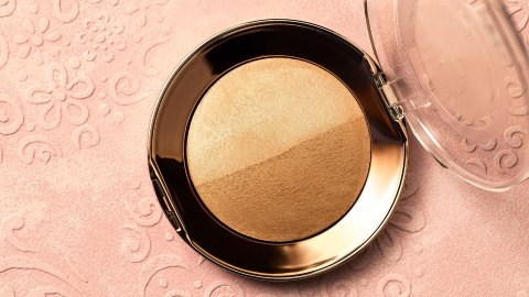 The Best Bronzers for Fair and Pale Skin Tones That Won't Turn You Orange | StyleCaster