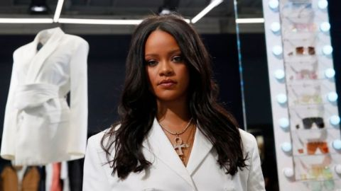 I Have A Love/Hate Relationship With Rihanna's New Bangs | StyleCaster