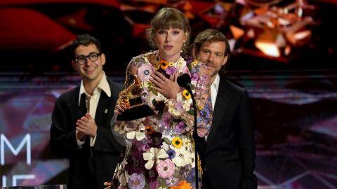 Taylor Swift Just Dedicated Her Grammy to Boyfriend Joe Alwyn in the Sweetest Speech | StyleCaster