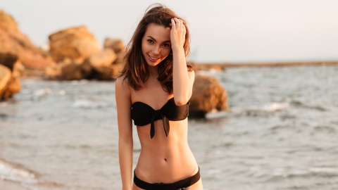 10 Swimsuits Anyone With Small Boobs Should Buy Immediately | StyleCaster