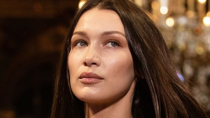 Bella Hadid Just Brought Back The Most Popular Y2K Hair Trend