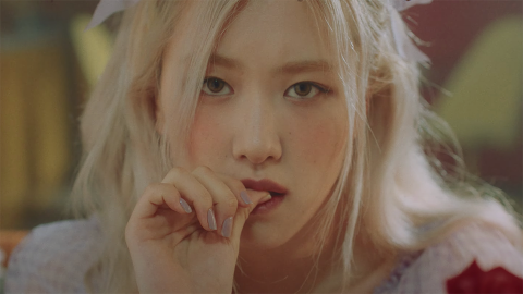 Rosé's 'Gone' Lyrics Prove She Can Write the Perfect Heartbreak Song in Any Language | StyleCaster