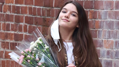 Suri Cruise Celebrated Her 15th Birthday & She's Almost as Tall as Mom Katie Holmes Now | StyleCaster