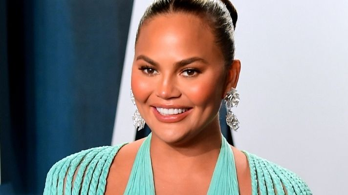 You Can Get Chrissy Teigen's Fave Affordable Lip Oil On Amazon